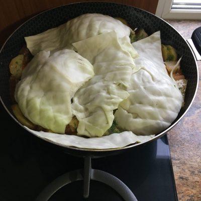 Фото рецепта - Овощное рагу с говядиной на сковороде - шаг 11