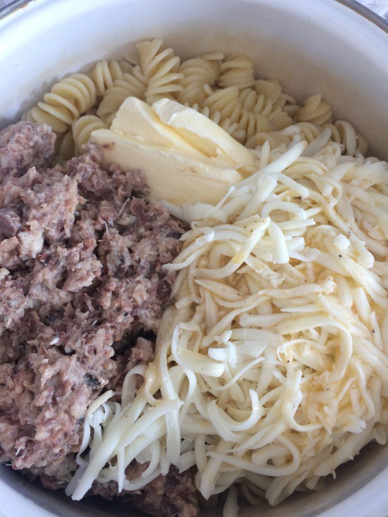 Фото рецепта - Паста с сардиной и сыром - шаг 5