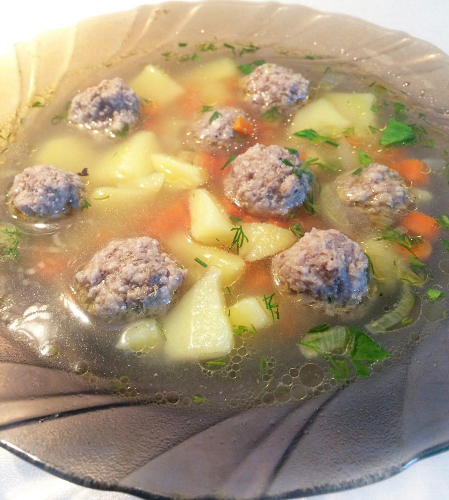 Фото рецепта - Суп с фрикадельками и манкой - шаг 5