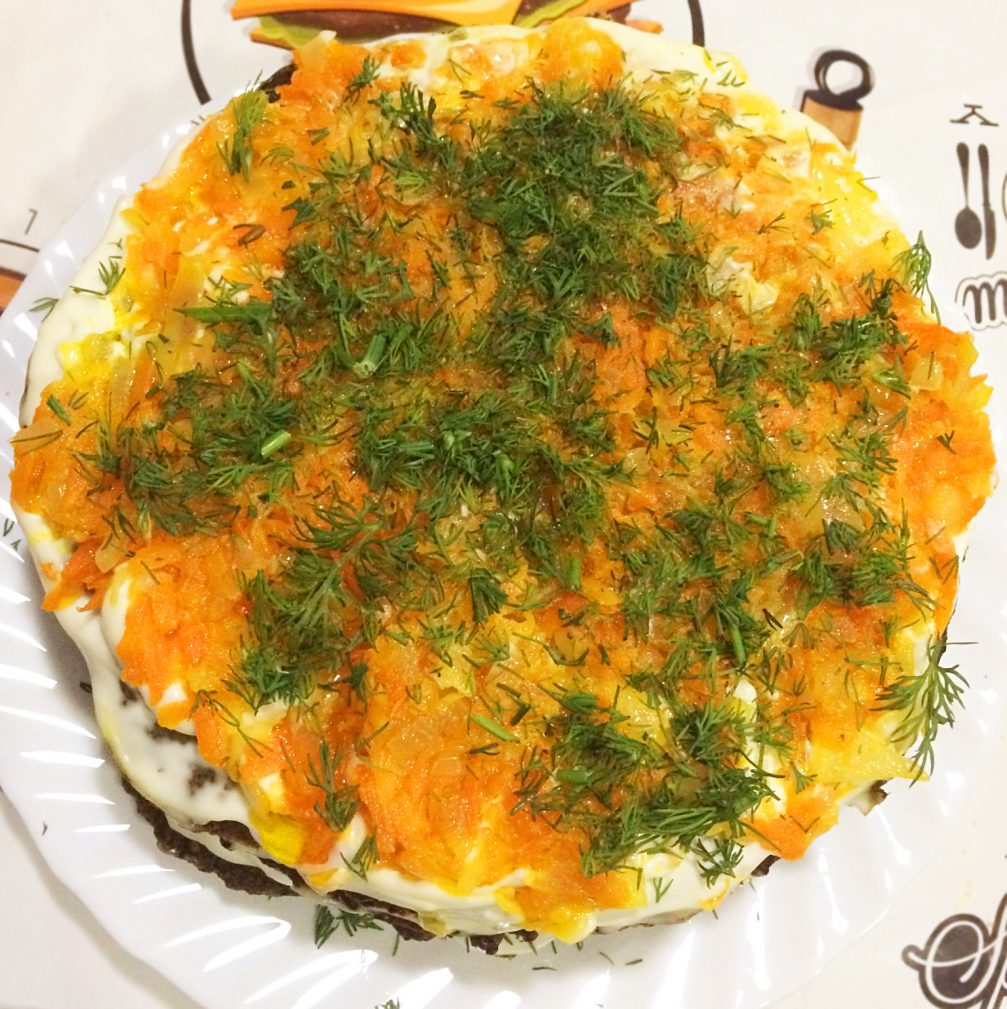 Фото рецепта - Печеночный пирог с морковью и луком - шаг 5