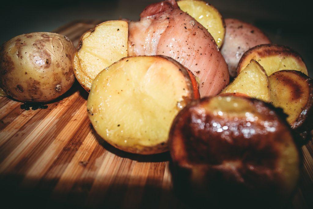 Фото рецепта - Запеченные куриные бедра из категории правильного питания - шаг 4