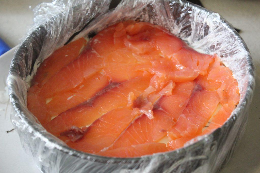 Фото рецепта - Суши-торт – на вкус как настоящие суши! - шаг 9