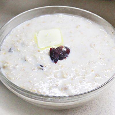 Овсяная каша на молоке с ванилью и сухофруктами - рецепт с фото