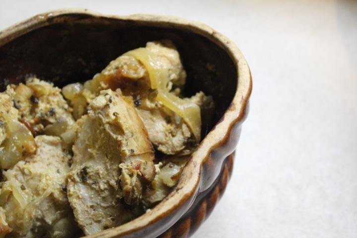 Фото рецепта - Домашний петух в сметанном соусе со специями - шаг 5