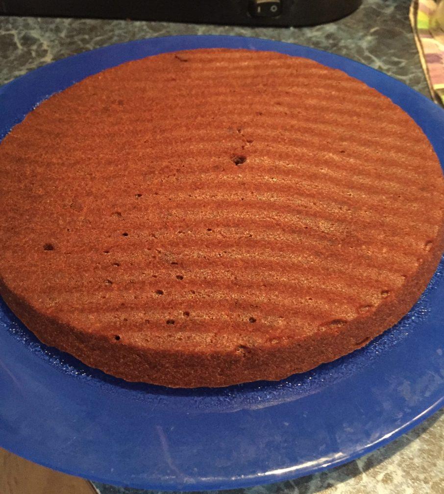 Фото рецепта - Шоколадный кекс на основе манки и какао - шаг 6