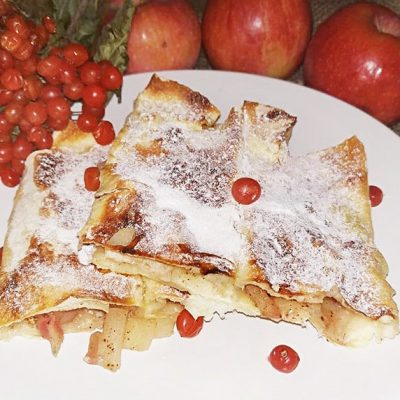 Пирог с яблоками из лаваша - рецепт с фото