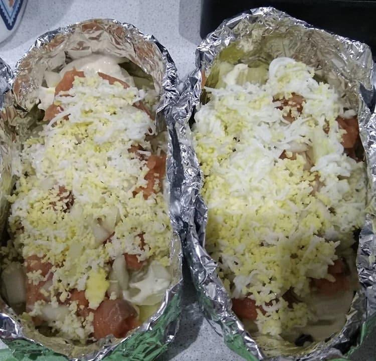 Фото рецепта - Форель в духовке с картошкой, в лодочках из фольги - шаг 3