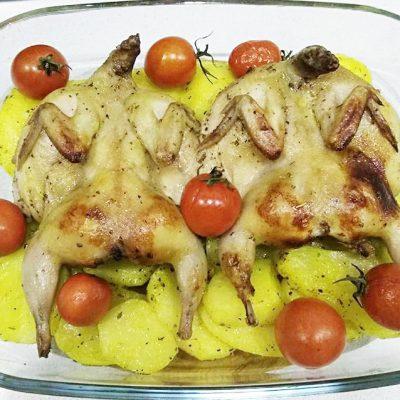 Перепелка в духовке с овощами - рецепт с фото