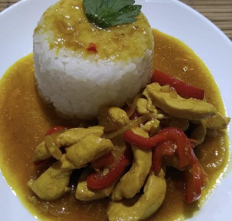Фото рецепта - Курица по-тайски со сладким перцем - шаг 6