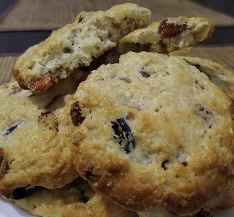 Фото рецепта - Овсяное печенье с изюмом и курагой - шаг 6