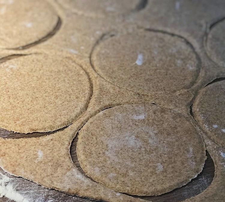 Фото рецепта - Постные пирожки с капустой - шаг 3