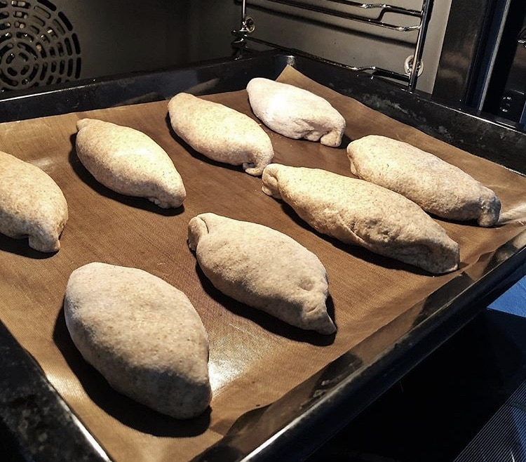 Фото рецепта - Постные пирожки с капустой - шаг 4