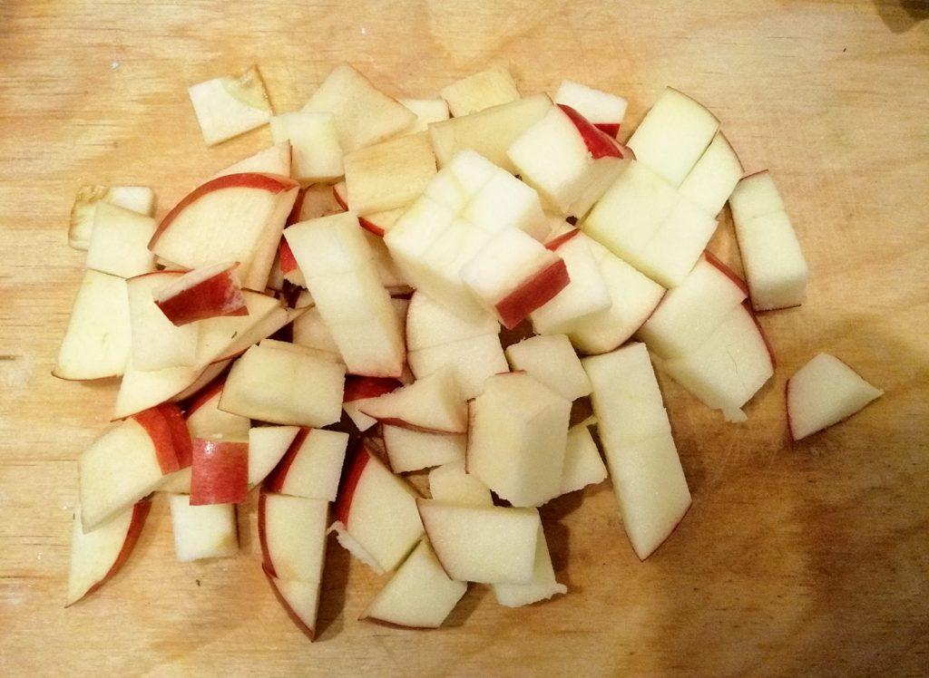 Фото рецепта - Каша геркулесовая с яблоками в мультиварке - шаг 4