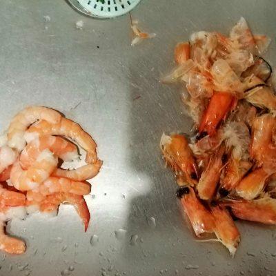Фото рецепта - Омлет с креветками в мультиварке - шаг 3