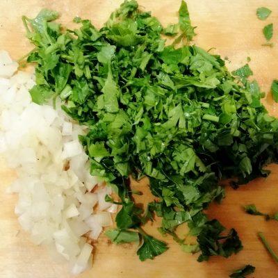 Фото рецепта - Шампиньоны в сметане с зеленью - шаг 2