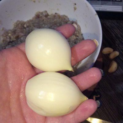 Фото рецепта - Домашние котлеты из свиного фарша с овсянкой - шаг 5