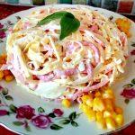 Салат «Аппетит» из яйца и колбасы