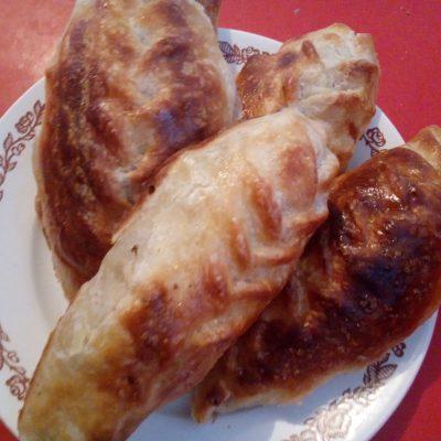 Самса-косичка по-казахски из слоеного теста - рецепт с фото