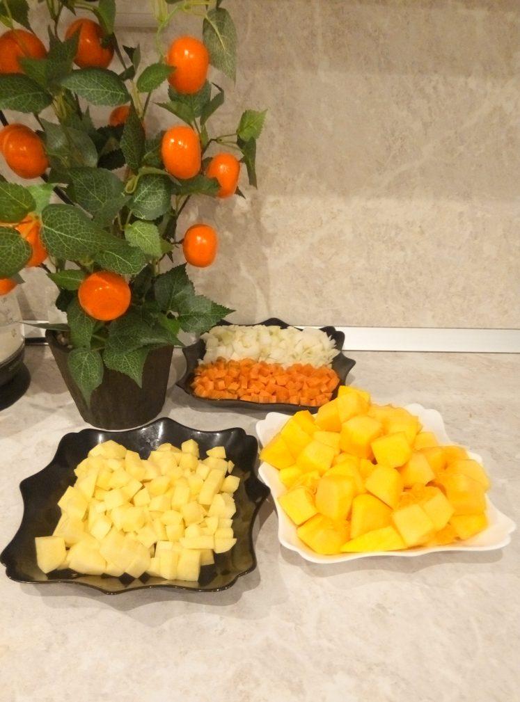 Фото рецепта - Тыквенный крем-суп на сливках - шаг 2