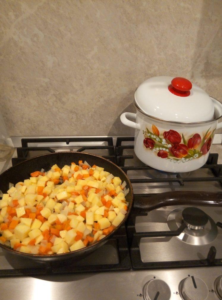 Фото рецепта - Тыквенный крем-суп на сливках - шаг 4