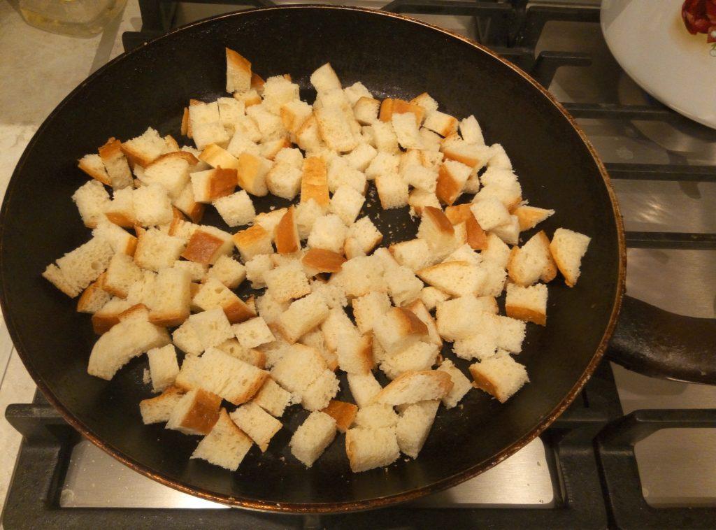 Фото рецепта - Тыквенный крем-суп на сливках - шаг 7