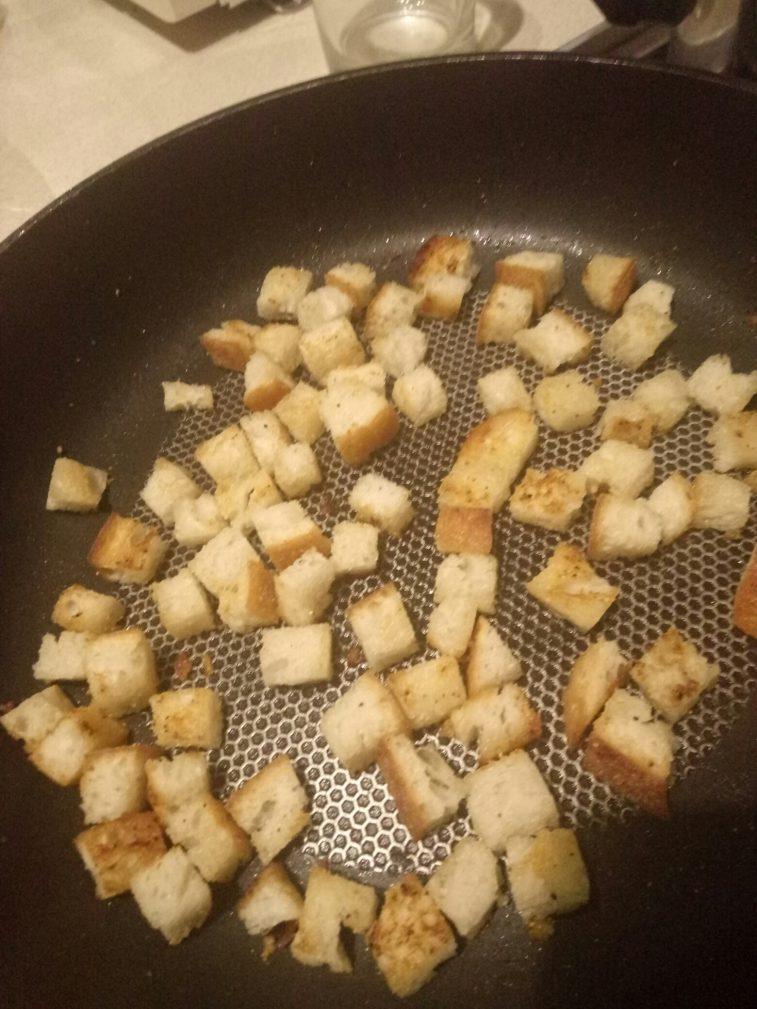"""Фото рецепта - Крем-суп """"Здоровый малыш"""" из брокколи, горошка, сельдерея - шаг 5"""