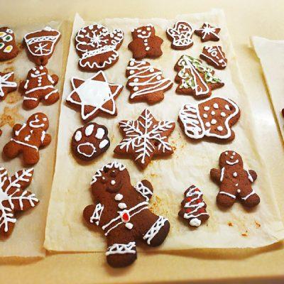 Домашние имбирные пряники с глазурью к Новому году - рецепт с фото