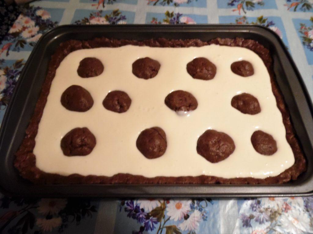 "Фото рецепта - Творожный заливной пирог ""Жираф"" - шаг 8"