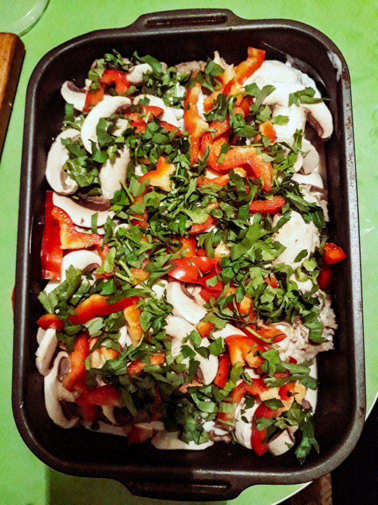 Фото рецепта - Свиные тефтели с рисом и шампиньонами - шаг 6