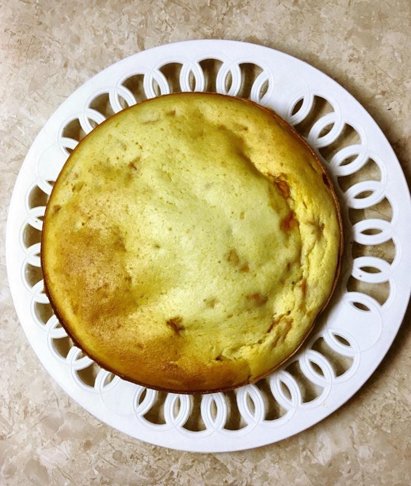 Фото рецепта - Абрикосовый манник на кефире - шаг 7