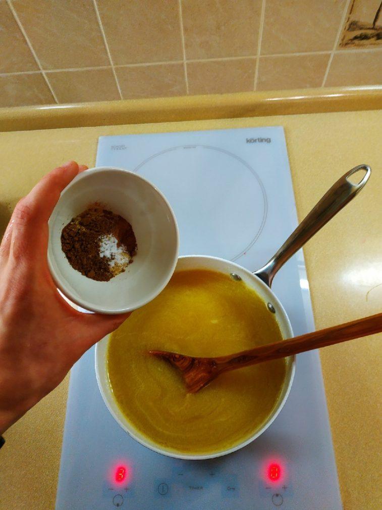 Фото рецепта - Домашние имбирные пряники с глазурью к Новому году - шаг 2