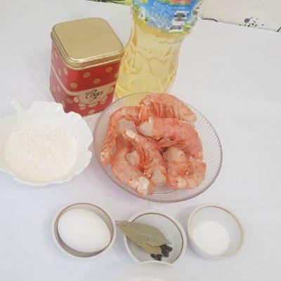 Фото рецепта - Золотистые креветки в кляре - шаг 1