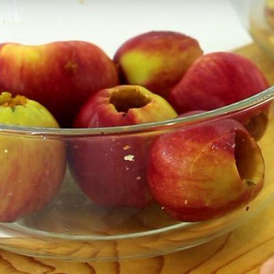Фото рецепта - Яблоки, сушёные в духовке - шаг 2