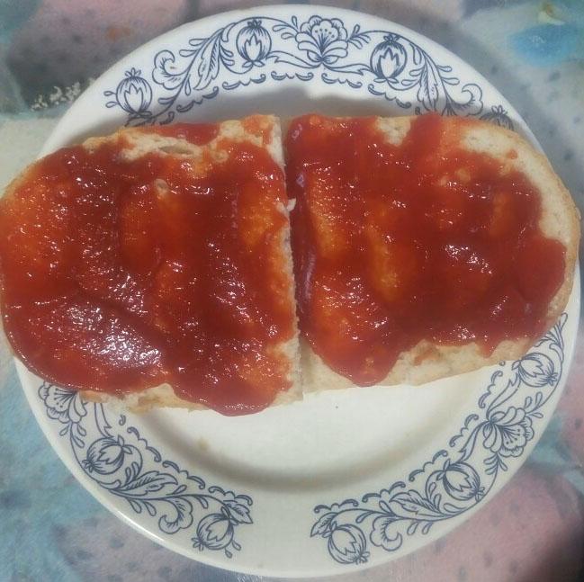 Фото рецепта - Вегетарианские бутерброды с перцем и томатом - шаг 3