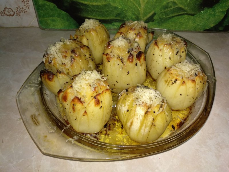 Фото рецепта - Хрустящая, ароматная картошка на праздничный стол - шаг 5