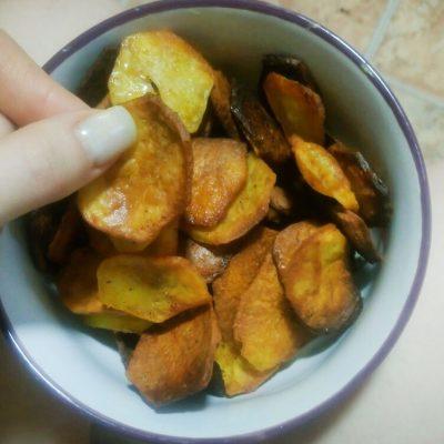 Фото рецепта - Быстрые домашние картофельные чипсы - шаг 5