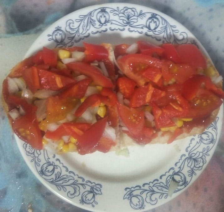 Фото рецепта - Вегетарианские бутерброды с перцем и томатом - шаг 6