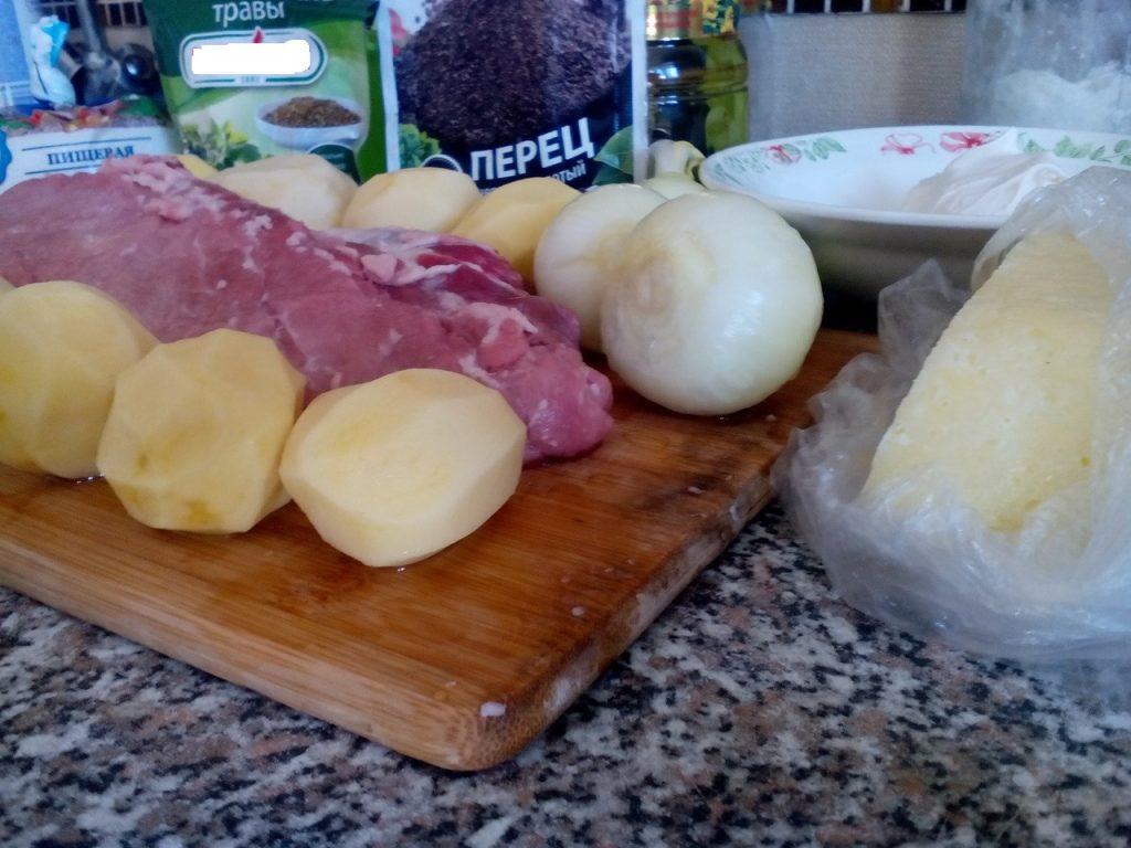 Фото рецепта - Картофельно-мясные маффины - шаг 1