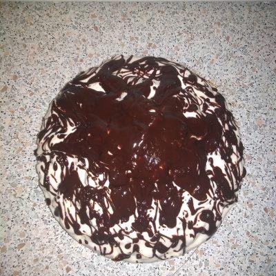"""Фото рецепта - Бисквитный торт """"Панчо"""" на сметане с ананасами - шаг 8"""