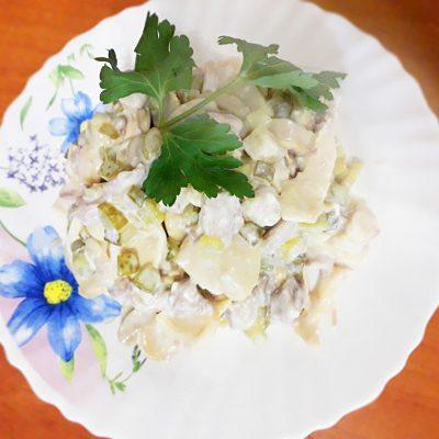 "Салат ""Три ингредиента"" – свинина, огурцы, грибы - рецепт с фото"