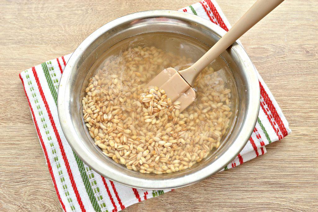 Фото рецепта - Рассольник классический на мясном бульоне с солеными огурцами - шаг 1