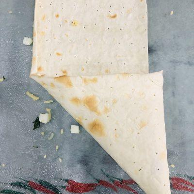 Фото рецепта - Сырные конвертики из лаваша - шаг 5