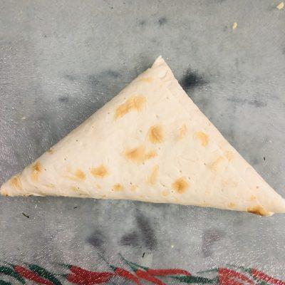 Фото рецепта - Сырные конвертики из лаваша - шаг 6