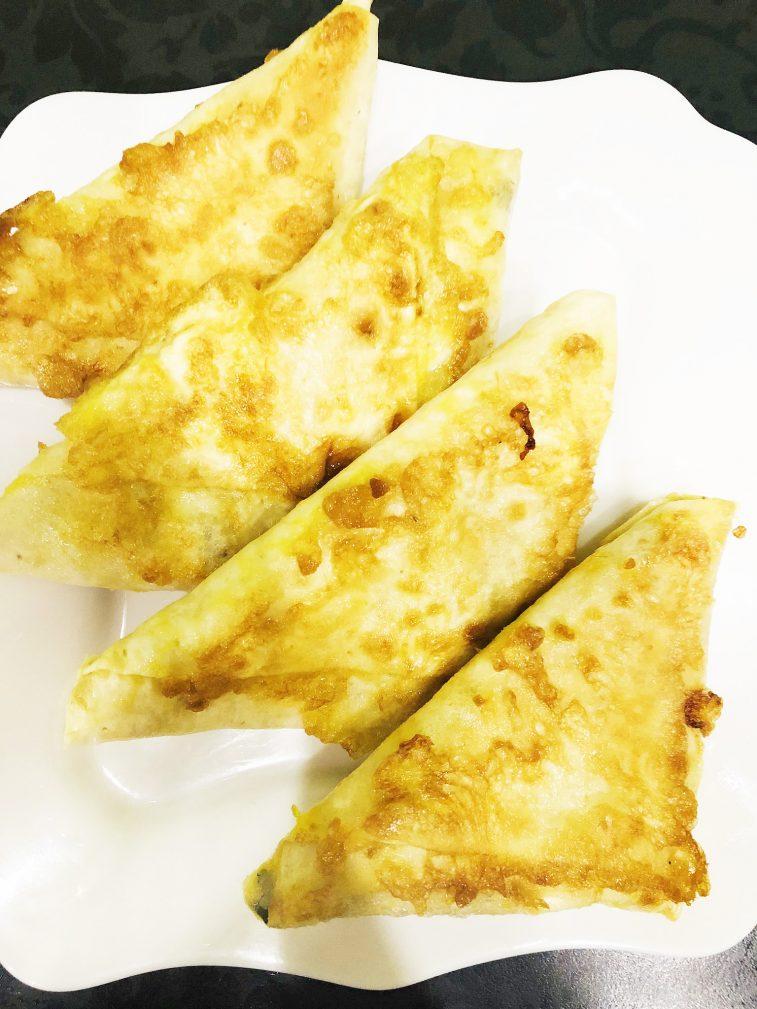 Фото рецепта - Сырные конвертики из лаваша - шаг 8