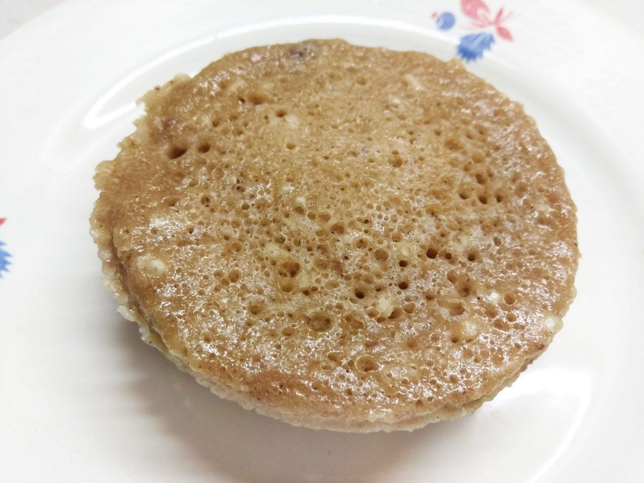 Кекс в кружке с какао и кокосовой стружкой (на молоке)