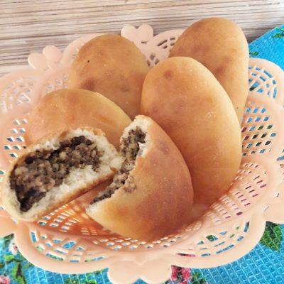 Фото рецепта - Тесто для дрожжевых пирогов (пирожки в духовке) - шаг 11