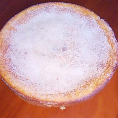Фото рецепта - Манник на кефире с творогом - шаг 5