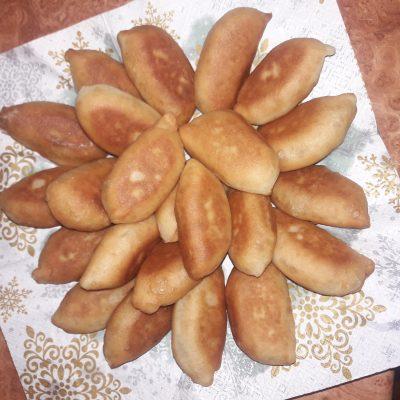 Пирожки постные с капустой на сковороде - рецепт с фото