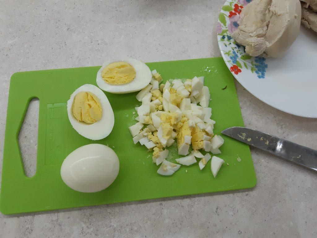 Фото рецепта - Белковый салат с фасолью и курицей - шаг 4