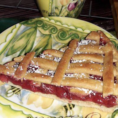 """Пирог на кефире """"Зимняя вишня"""" - рецепт с фото"""